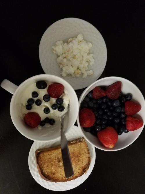 yogurt-breakfast